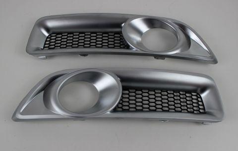 Spoilerlys/foglamp rammer i  mattcrom V70 08-13  sett
