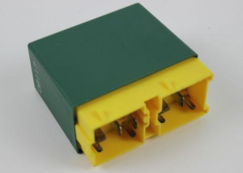 RELLE HOVEDLYS 850 ,S,C,V70 960-95> MERKET 104-108 3523200