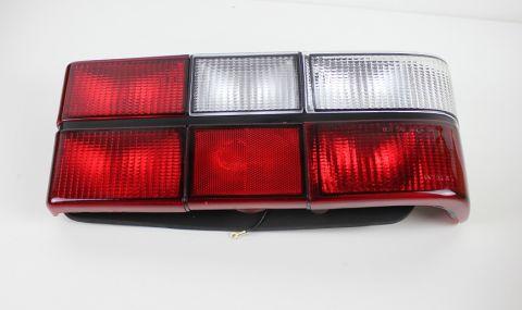 BAKLAMPE  240   M/HVIT BLINK  høyre side