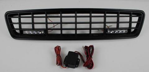 GRILL S40/V40 1996-2003 XC LOOK I SORT MED LED LYS
