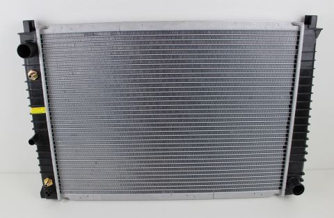 RADIATOR AUTOMAT VOLVO 940  (590 X 420 MM)