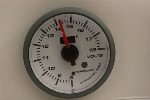 INSTRUMENT AUTOGAUGE VOLT 52MM.